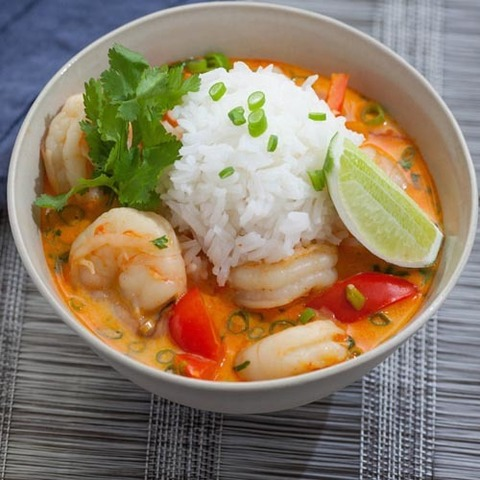 https://static-ru.insales.ru/images/products/1/6799/77666959/fried_tom_yum_rice.jpg