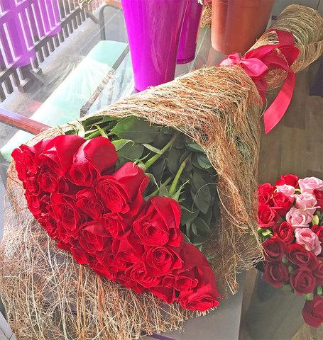 Букет из 31 красной розы 100 см