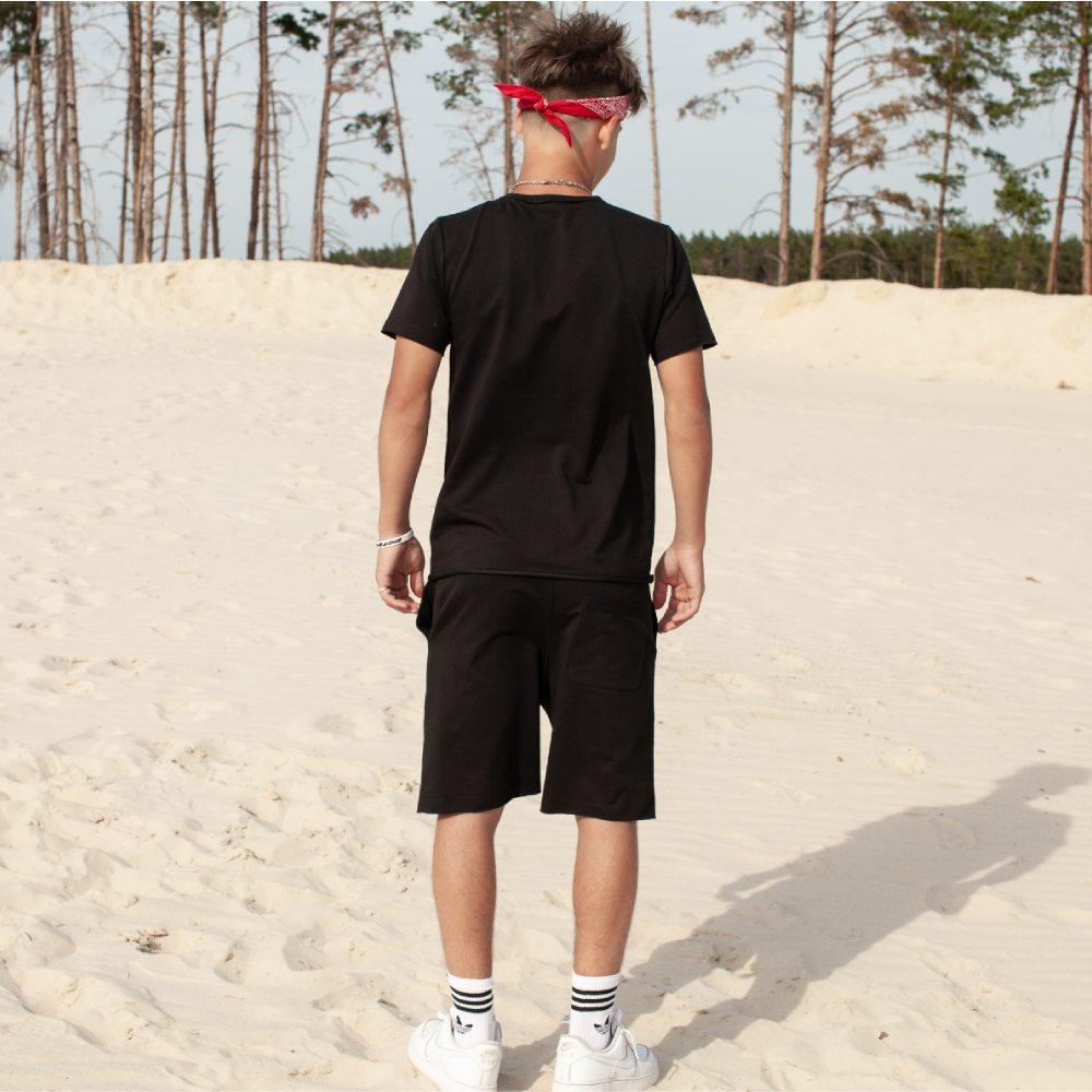 Детский летний костюм из шорт и футболки черного цвета на мальчика