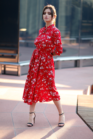 Красное платье воротник стойка недорого