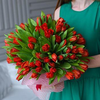 Купить большой букет 101 красный тюльпан в Перми