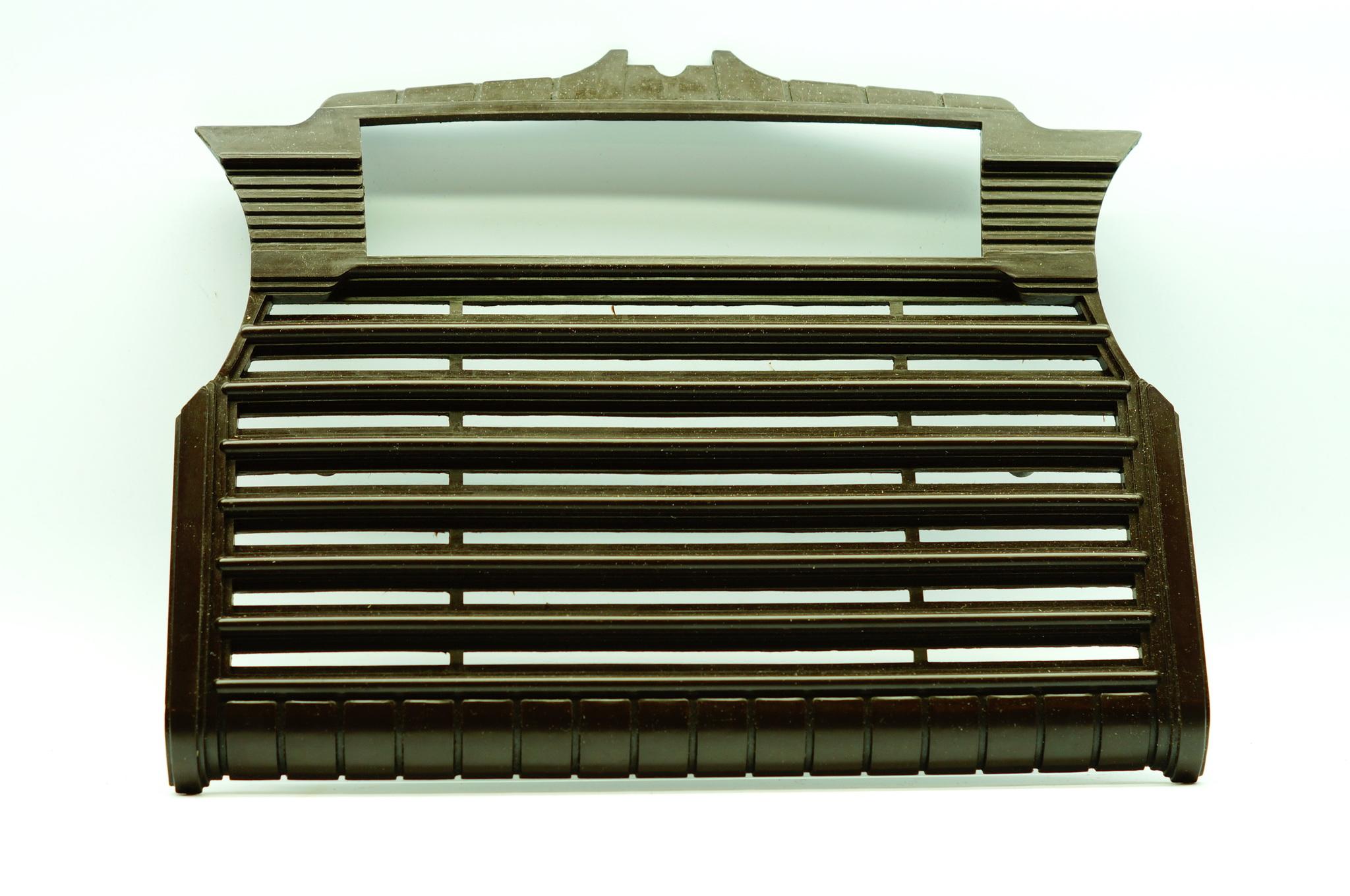 Накладка торпедо коричневая Газ 20