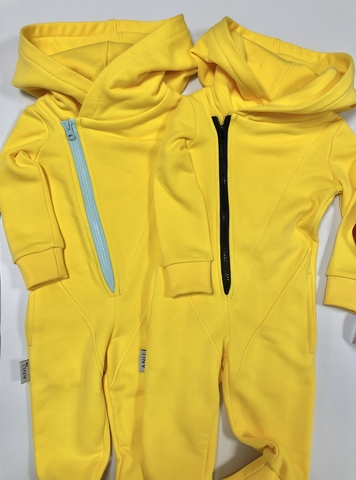 Комбинезон с косой молнией Anlikids цвет желтый
