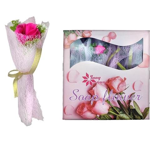 Роза в подарочном букете сеточкой с запахом 1кор*1бл*12шт