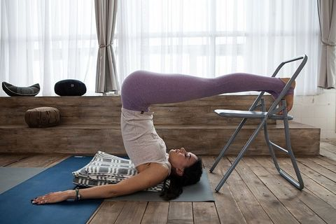 Стул для практики йоги