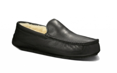 UGG Ascot Black Leather
