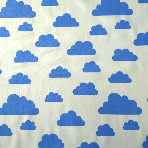 Ткань хлопковая синие облачка на белом