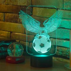 Орёл с футбольным мячом