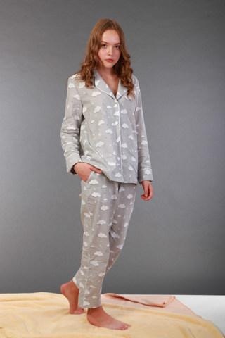 Піжама сіра в білі хмаринки. Домашній одяг.