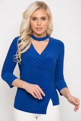 <p><span>Элегантная приталенная блузка на все случаи жизни. Ассиметричный крой с мягкой драпировкой по боку придает комфорта и может сочетаться со многими изделиями Вашего гардероба. (Длины: 44-46=56см; 48-50=57см)&nbsp;</span></p>