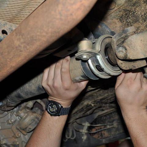 Замена кардана: снятие-установка карданого вала
