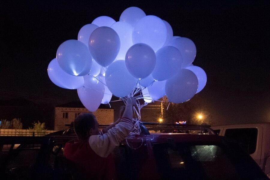 Светящиеся шары с гелием (фото 3)