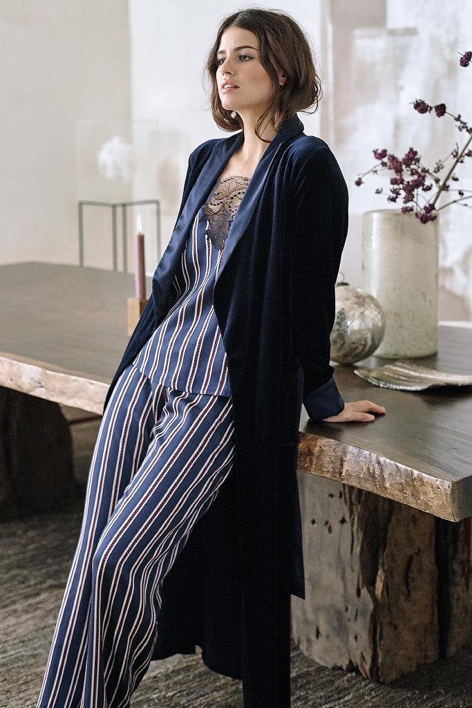 Длинный велюровый халат Le Chat