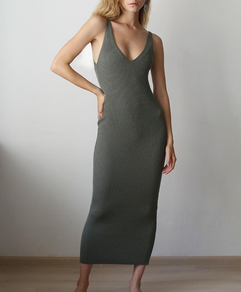Вязаное платье хаки