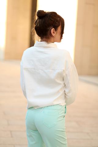 Белая джинсовая куртка оверсайз недорого