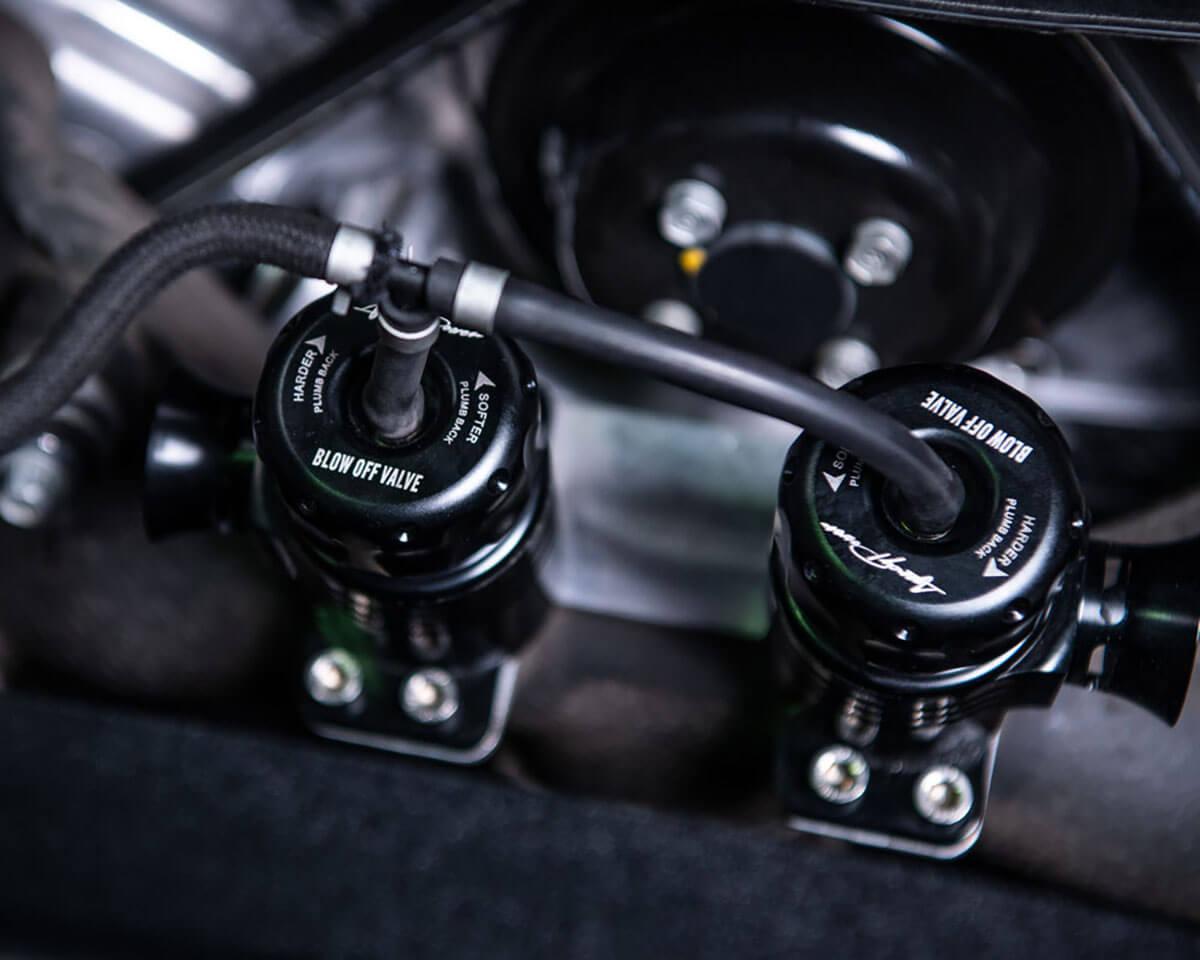 Установленный перепускной клапан турбины Kia Stinger GT 2018+ года