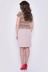 <p>Яркое, стильное платье ждет свою обладательницу! Платье с заниженной талией на кулиске. Очень удобные карманы. Идеальный вариант для летних деньков. (Длины: 46=94см; 48=96см; 50-52=99см)</p> <p></p> <p></p>