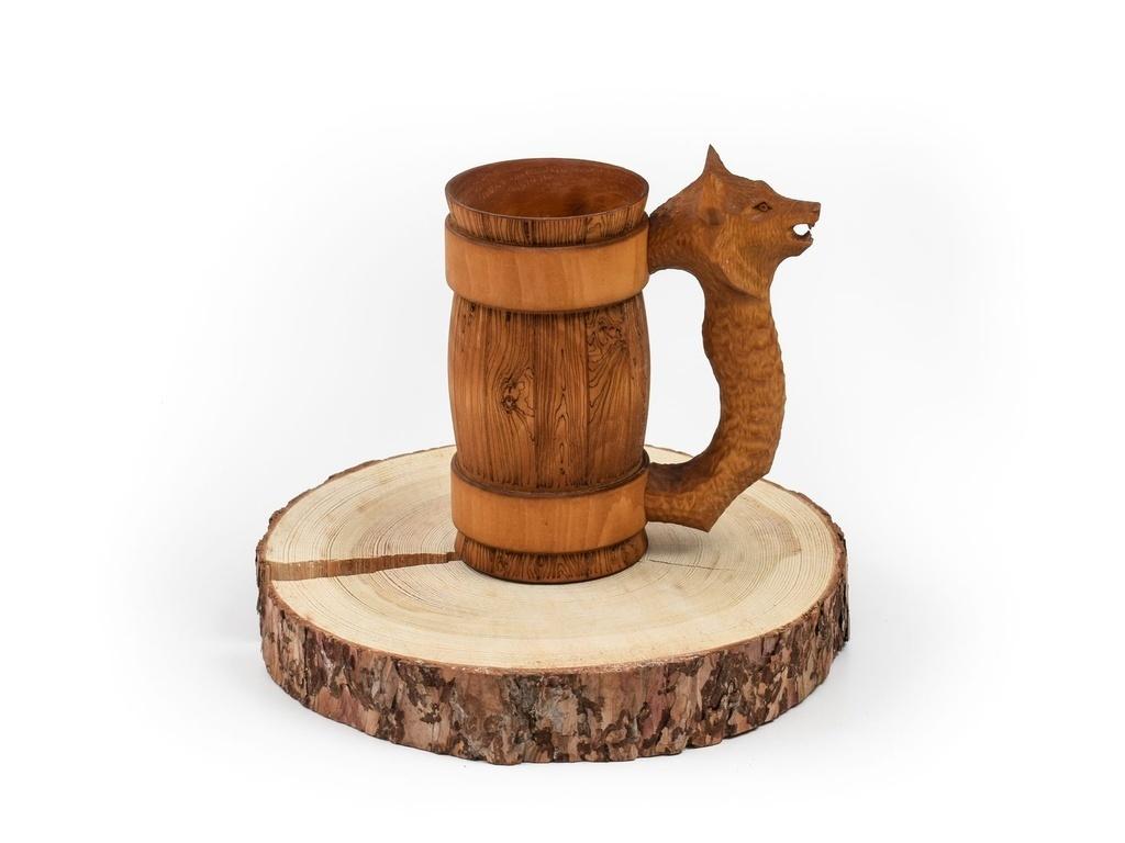Кружка из дерева с резной ручкой «Волк» 0,7 л от 3 120 руб