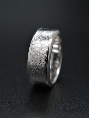 Кольцо из метеорита Муонионалуста. Размер 17,5