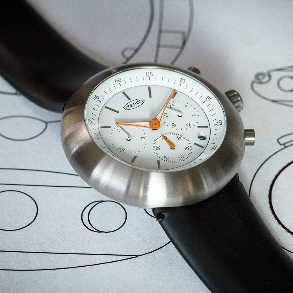 Часы Икипод хронограф белый