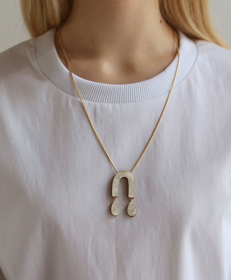 Подвеска Waterfall Arch Necklace Mother of Pearl