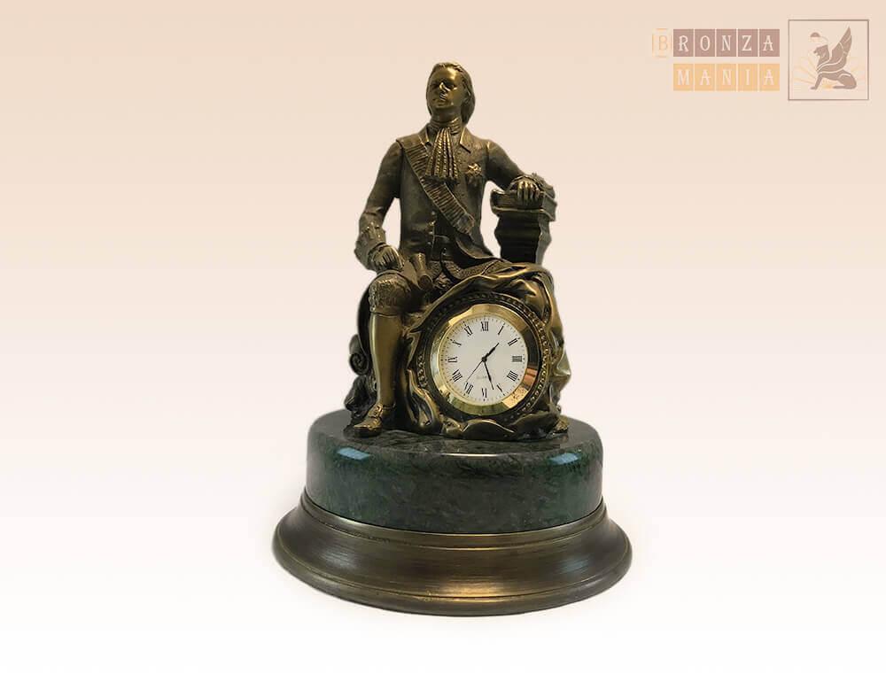 часы Петр 1 с книгой