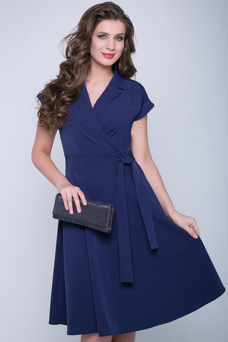 <p>Отличное платье для романтической дамы! Отложной воротничок. Юбка клёш, с имитацией пояса. Спущенное плечо с манжетом.&nbsp;<span>(Длина: 46-98см; 48-99см; 50-100см; 52-101см)</span></p>