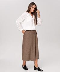 Блузка белая рубашечного типа с запахом 18-900