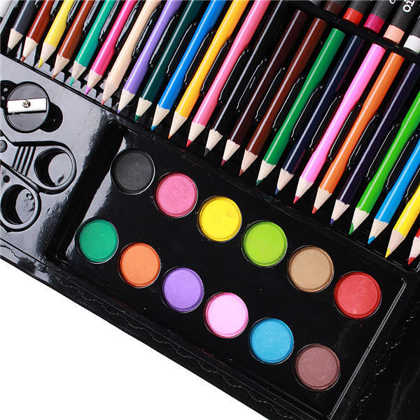 Предусмотрены даже краски с кисточкой и палитрой