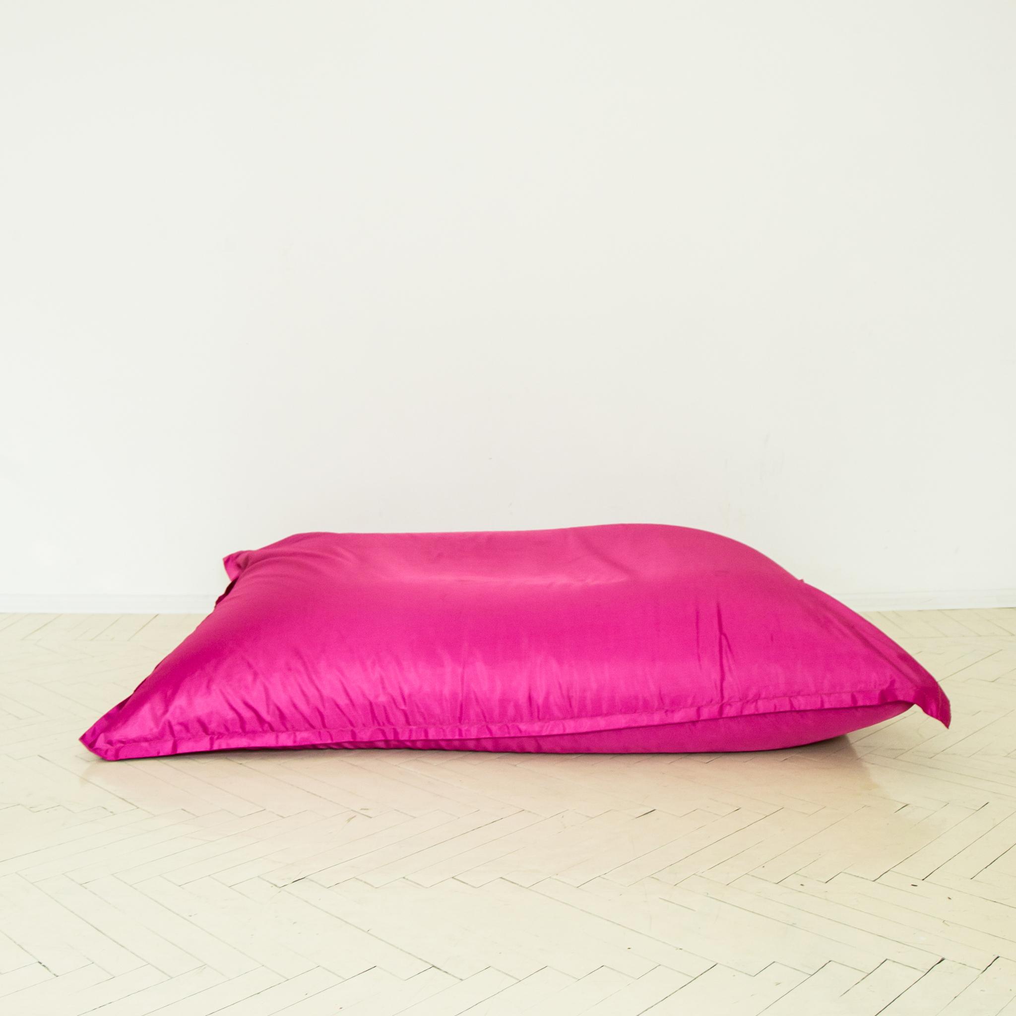 Подушка розовая