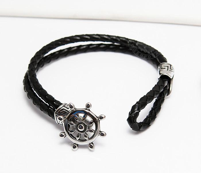 Фото - Monzo, Мужской браслет из кожаного шнура со стальным штурвалом (20 см) мужской браслет из кожи со стальной проволокой 20 см