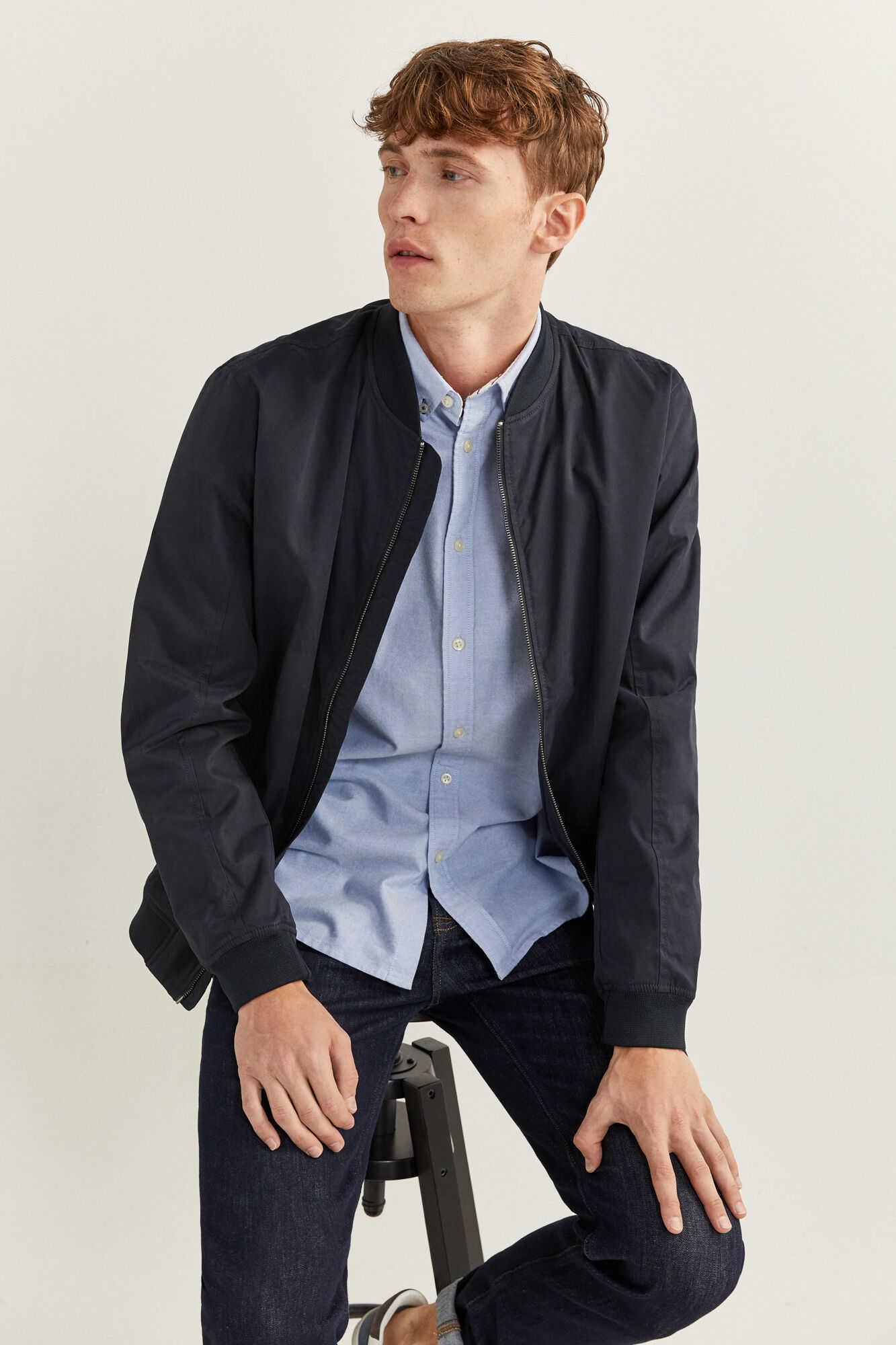 Куртка-бомбер з водовідштовхувальної тканини