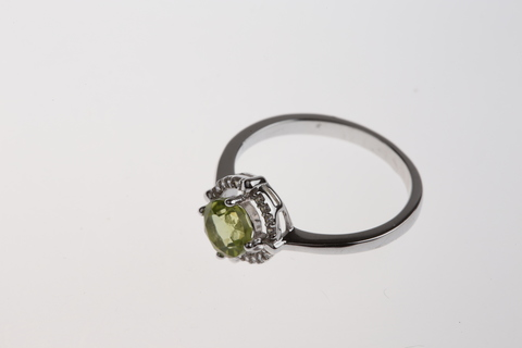 Кольцо с перидотом и цирконом из серебра 925