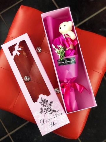 Подарочный набор мыльных розовых роз с мишкой в виде букета