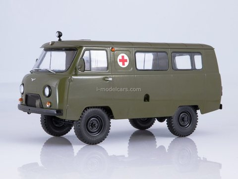 UAZ-452A Sanitary Ambulance 1:18 Start Scale Models (SSM)