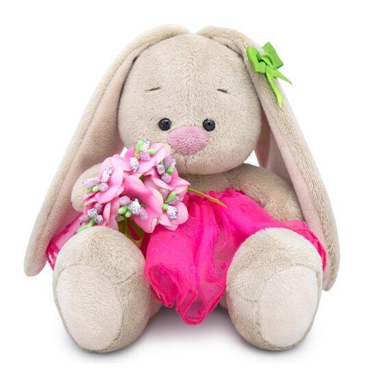 Зайка Ми с букетом в розовой юбке