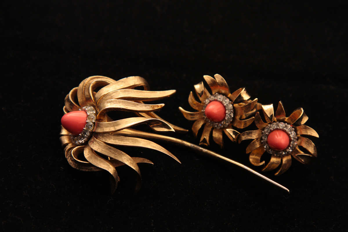 Beautiful brooch and earclips set by Boucher