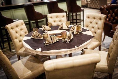 стулья с прошивкой для кафе