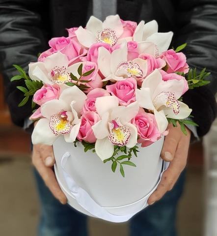 Коробка розы с орхидеей