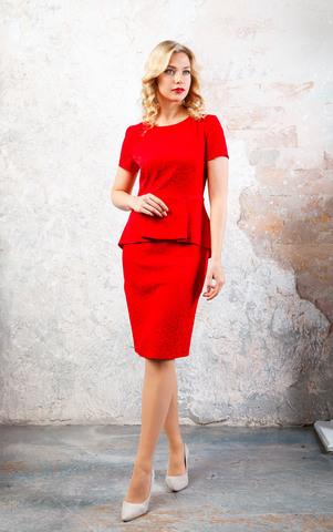 Фото алое жаккардовое облегающее платье-футляр с баской со складками на молнии - Платье З247-150 (1)