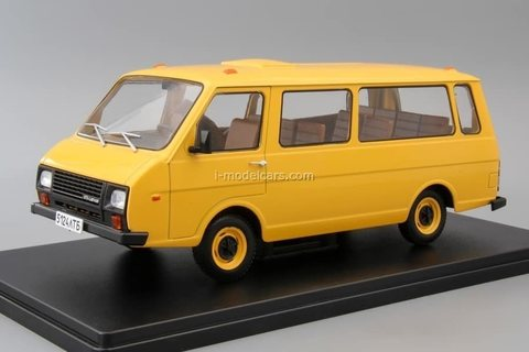 RAF-22038 yellow 1:24 Legendary Soviet cars Hachette #24