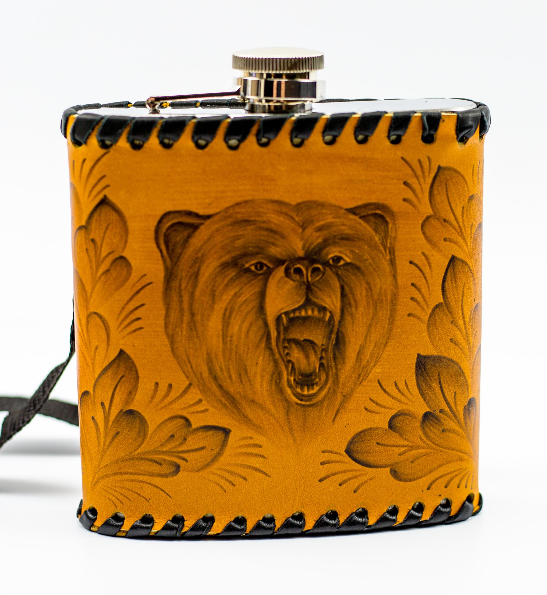 Фляга «Медведь», натуральная кожа с художественным выжиганием, 500 мл фляга c оленем натуральная кожа 900 мл