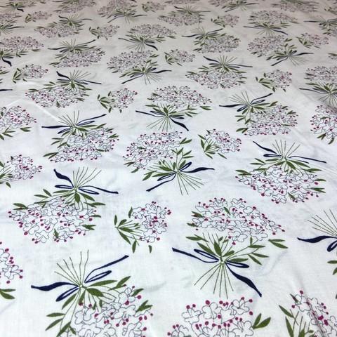 Ткань вискоза белая с цветами 3261
