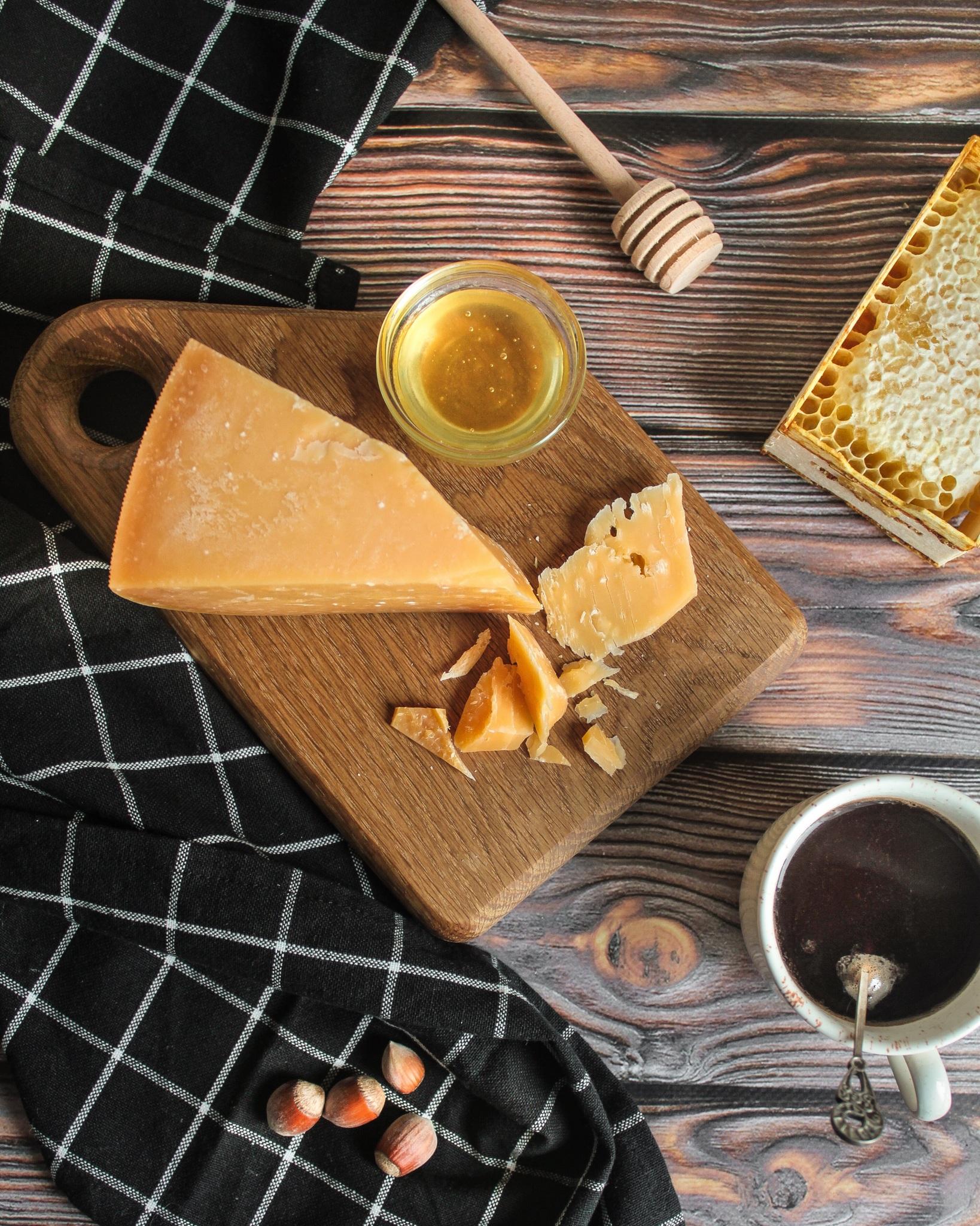Сыр из Коровьего молока 1000 дневной выдержки, кг