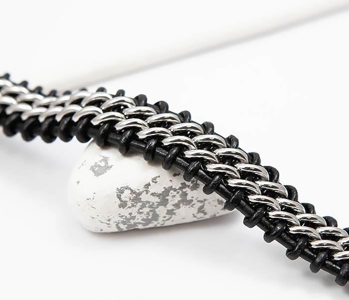 BM500-1 Массивный браслет из стали и кожаного шнура (21,5 см) фото 03