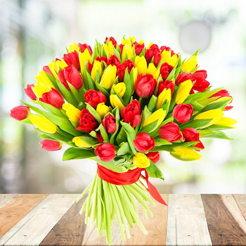 Букет из желтых и красных тюльпанов 101шт. Купить в Перми