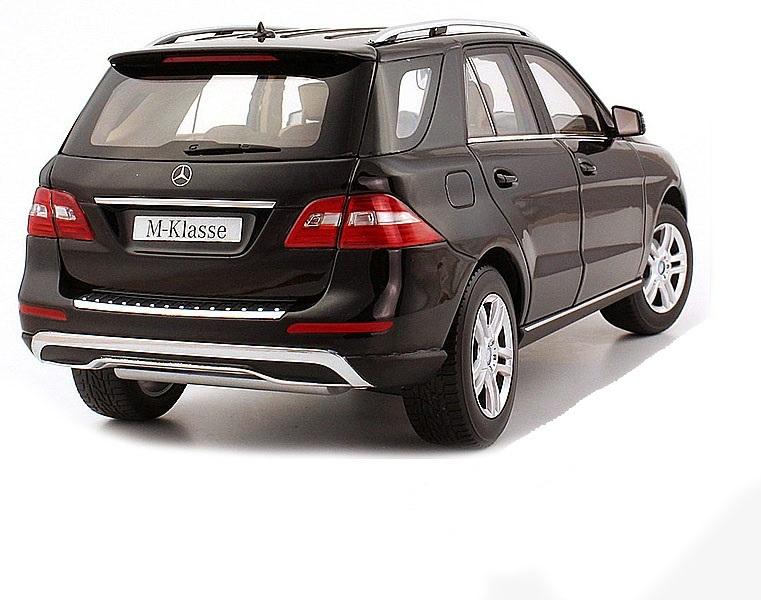 Коллекционная модель Mercedes-Benz ML 2012