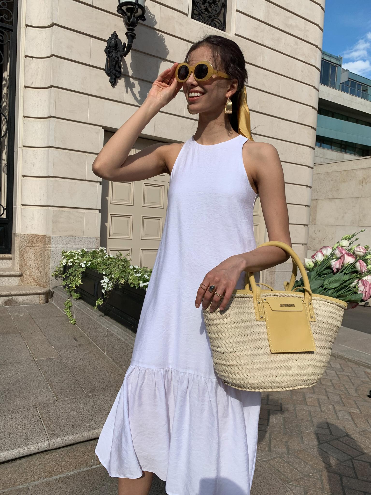 Платье миди с оборкой по низу (белый)