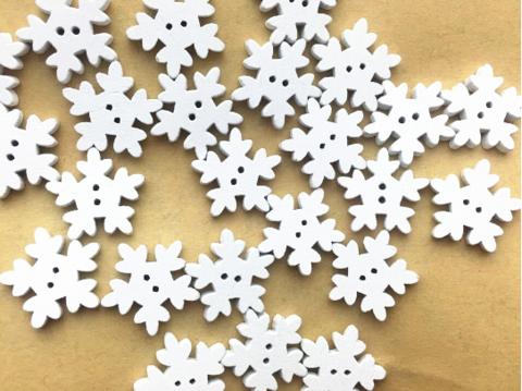 Гудзик дерев'яний біла сніжинка