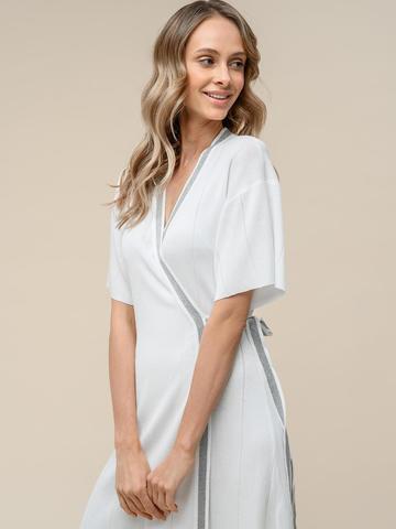 Женское платье-кимоно с поясом молочного цвета из вискозы - фото 4